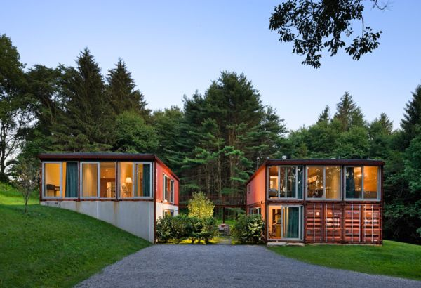 Shipping-container-home-illuminated-beautifully