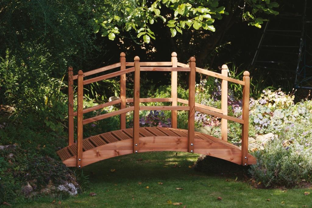 Wooden_Garden_Bridge