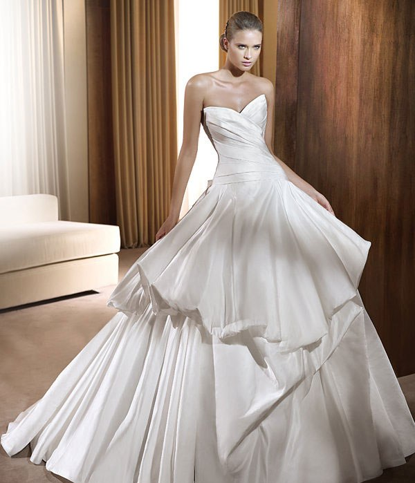Bride Gowns 2015: Most Beautiful Bridal Gowns For 2015