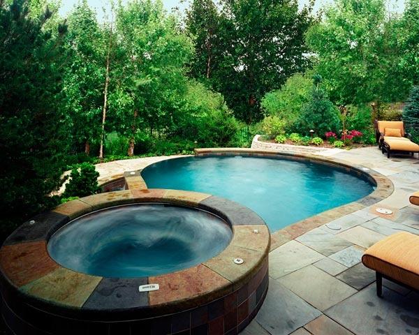 garden-hot-tub