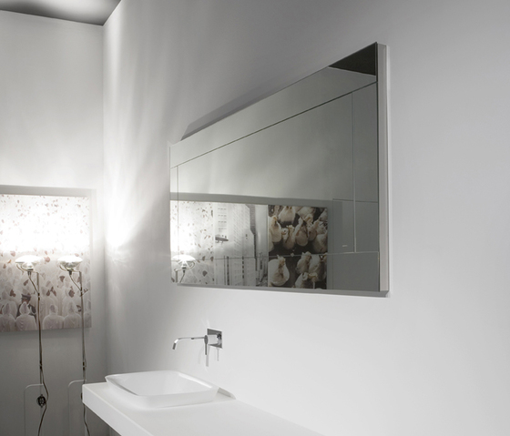 Bathroom-Mirror-of-Dama