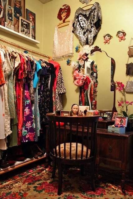 Closet-Ideas-5-vanity-in-closet-and-rug