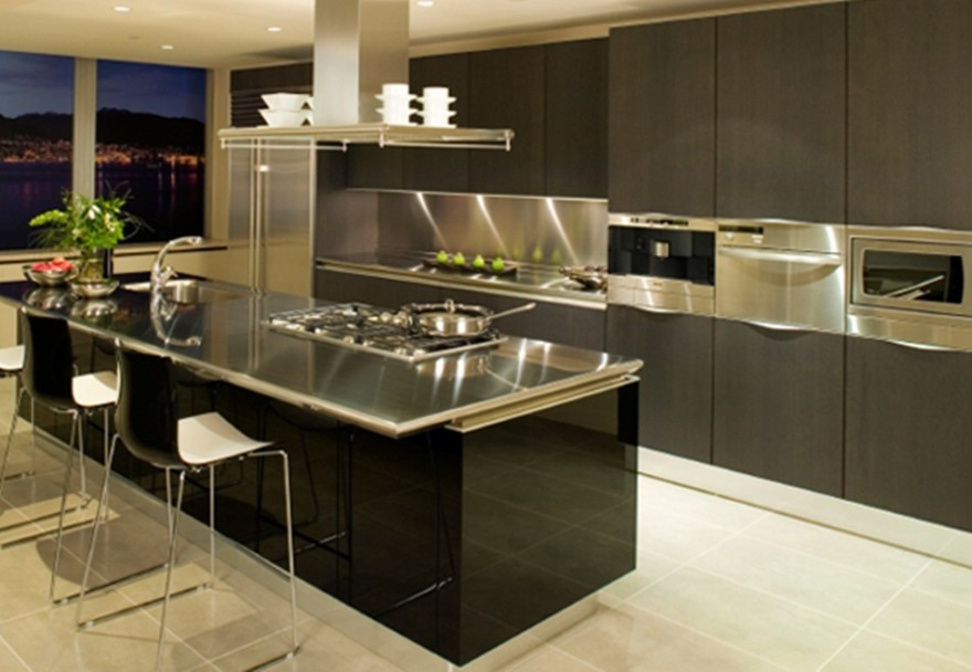 Deluxe-Kitchen-Designs-With-Stainless-Steel-Island-Seating