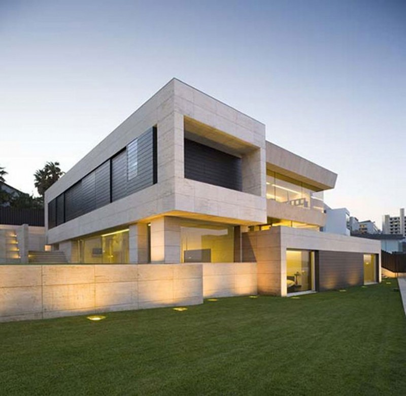 Modern Glass House Design In Cliff Side Of