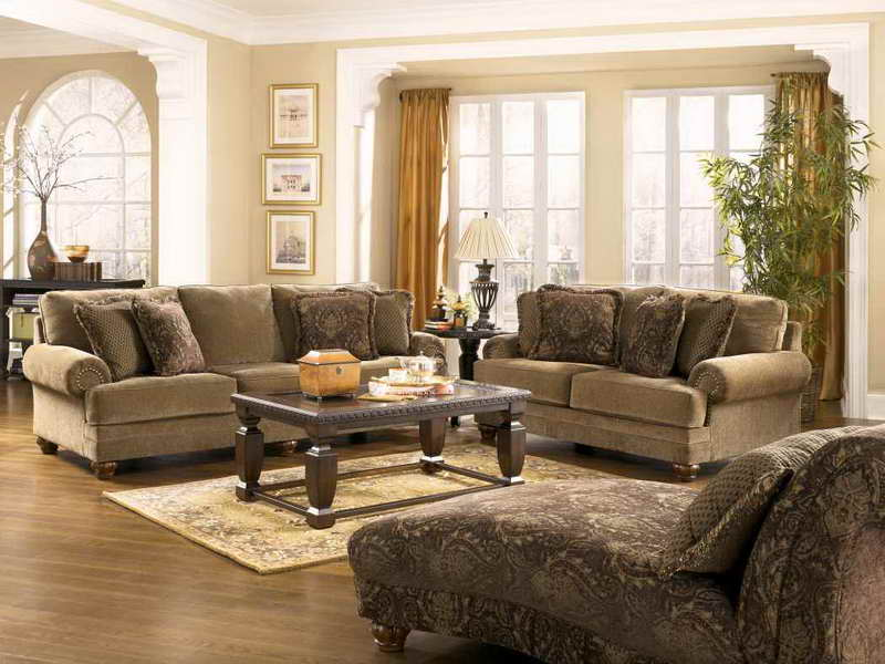 Photo Gallery of The Traditional Living Room Furniture