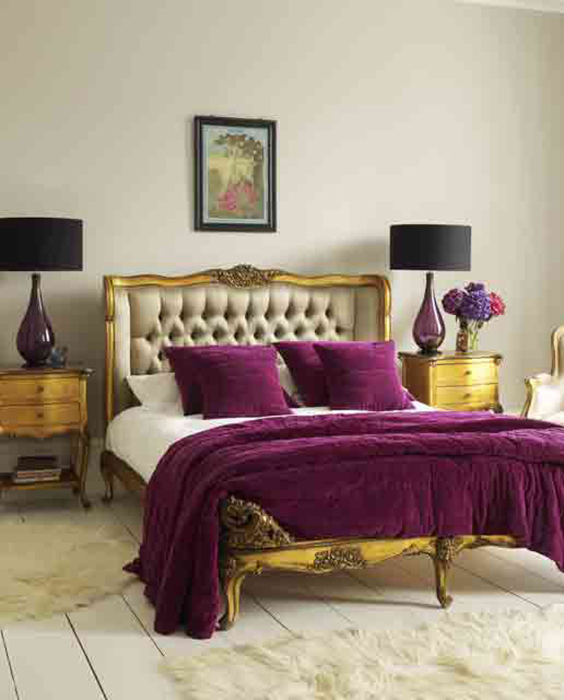 Plain-Bedroom-With-Deep-Colored-Bedding-at-Awesome-Colorful-Bedroom-Design-Ideas