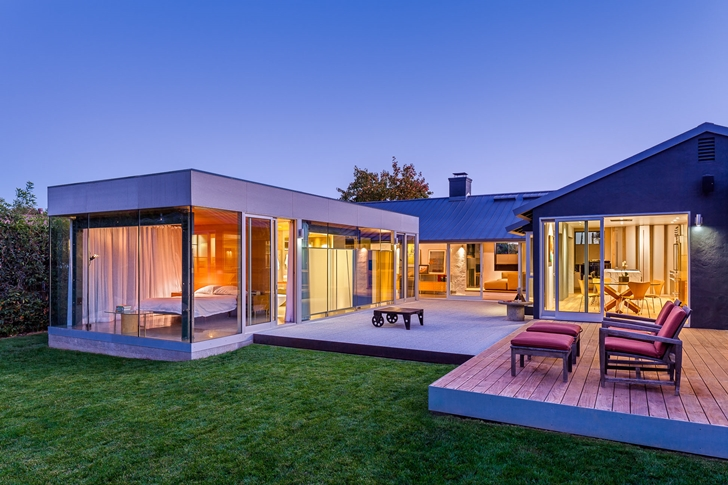 Suburban_House_Turned_Into_Contemporary_Style_Home