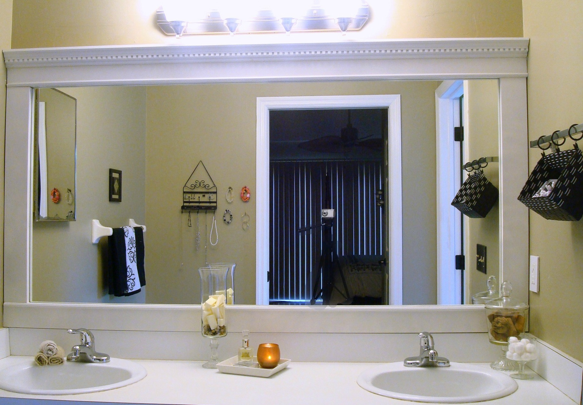 The right mirror for your bathroom may do wonders