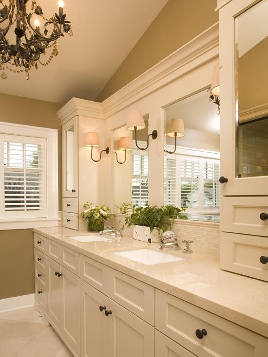 Traditional-Bathroom.