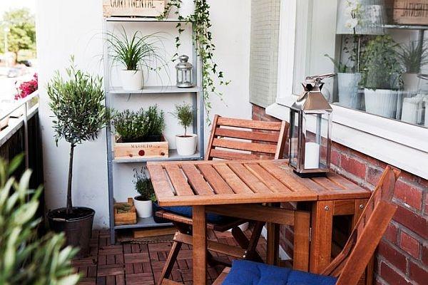 Well-designed-small-balcony