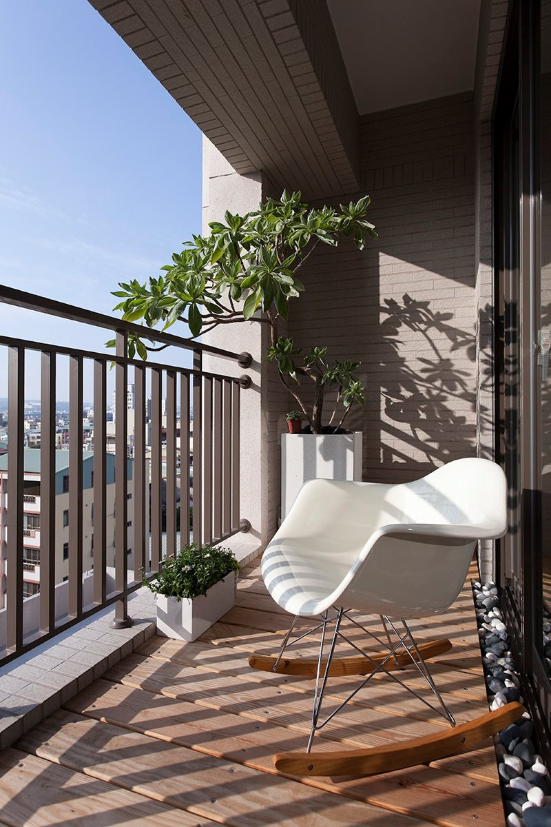 Architecture Villa Fabulous Apartment Balcony Design With White