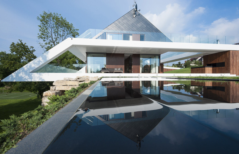 amazing in house design.  25 Amazing Modern glass house design