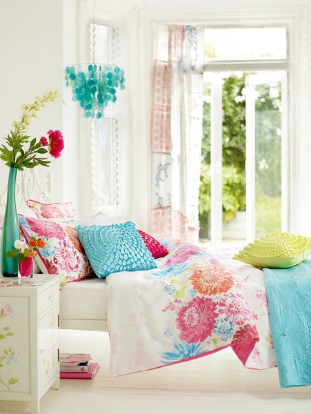 cool-colorful-bedroom