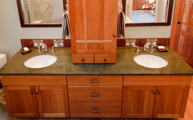 craftsman-bathroom-interior