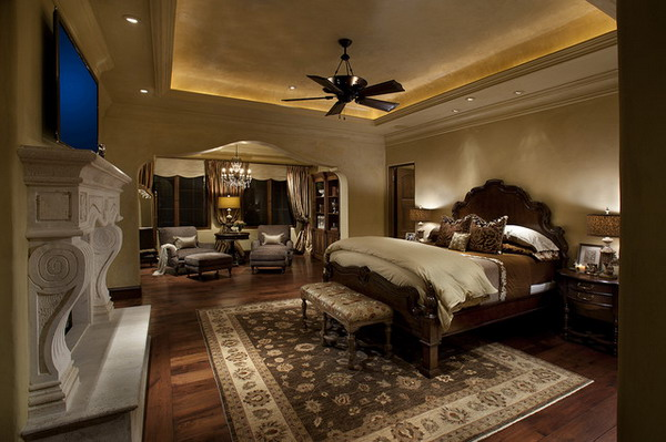 deciding-on-the-best-bed-furniture-for-master-bedroom-design_Traditional-Master-Bedroom-Ideas-with-Wood-Bed-Furniture