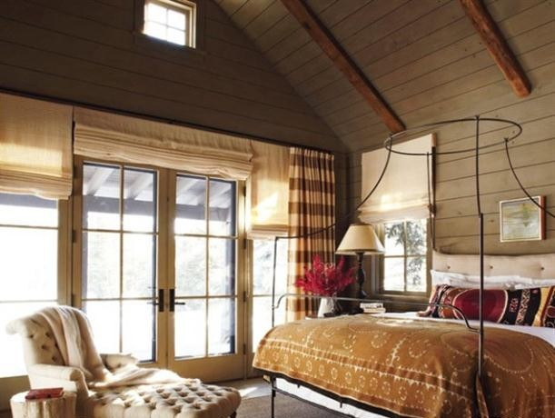 eclectic-bedroom-wooden