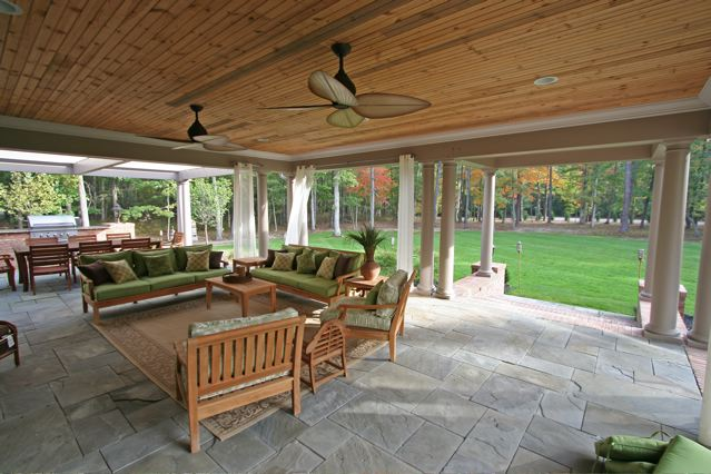 Perfect Covered Outdoor Living Room With Living Outdoor