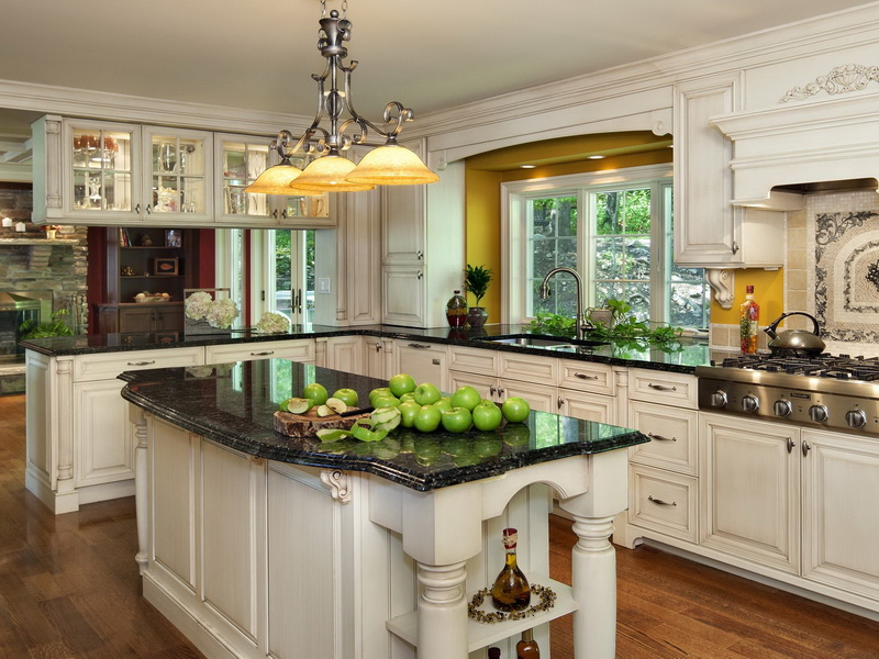traditional-white-kitchen-design-ideas