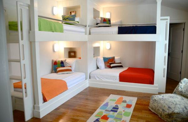 Beach-style-kids-bedroom-with-twin-bunk-beds