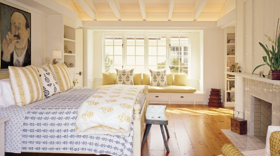 Breezy-Serene-Farmhouse-Bedroom