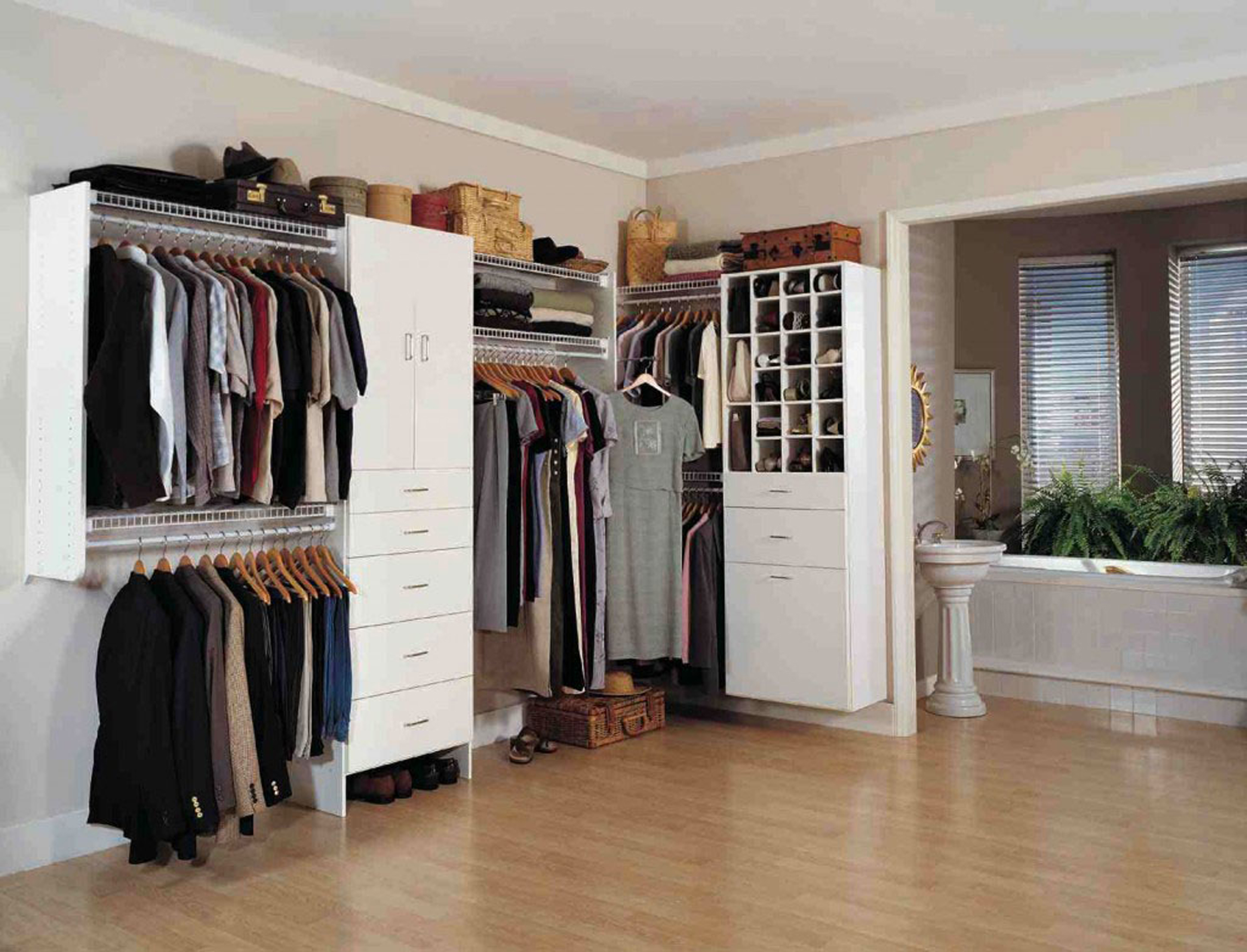 20 stunning Farmhouse Storage & Closets Design
