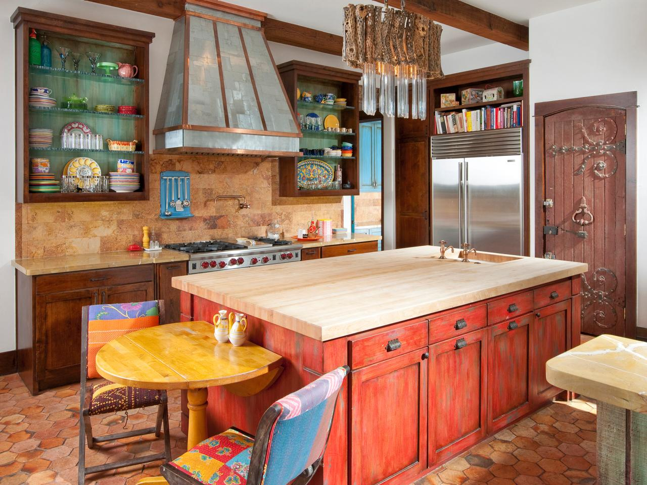 colorful-Mediterranean-kitchen
