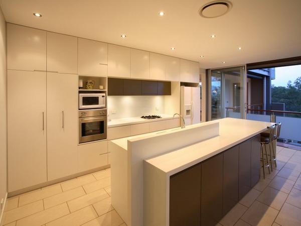 Elegant-Modern-Kitchen-Island-Interior-Decorating-Ideas