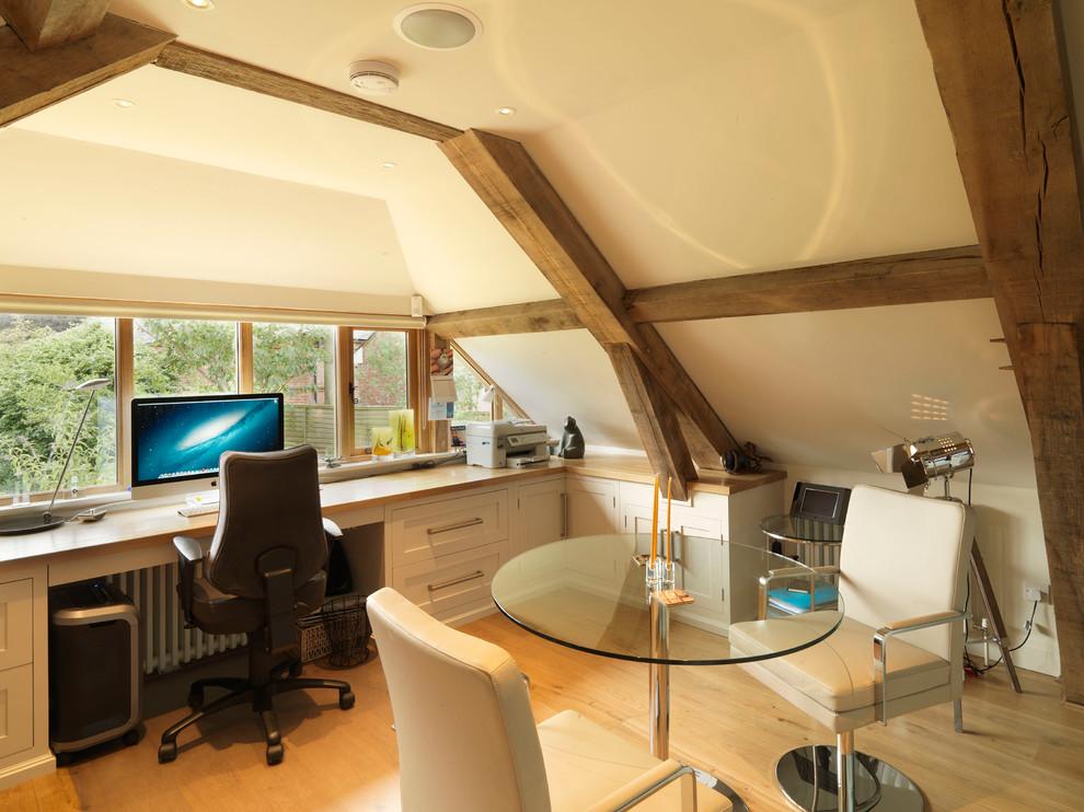 Exquisite-Oak-Beams-home-interior-design-Farmhouse-Home-Office-South-East