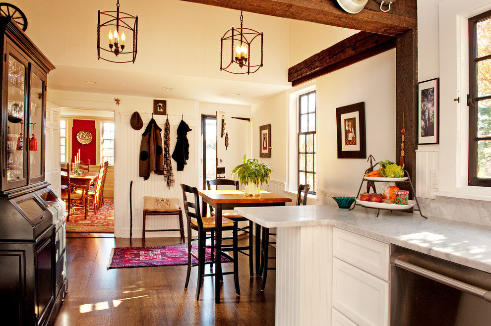 Graceful-Quarter-Sawn-Oak-home-interior-design-Farmhouse-Dining-Room-Other-Metro