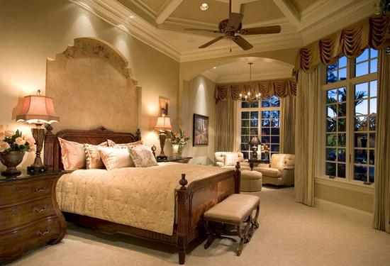 Mediterranean-Bedroom-Design