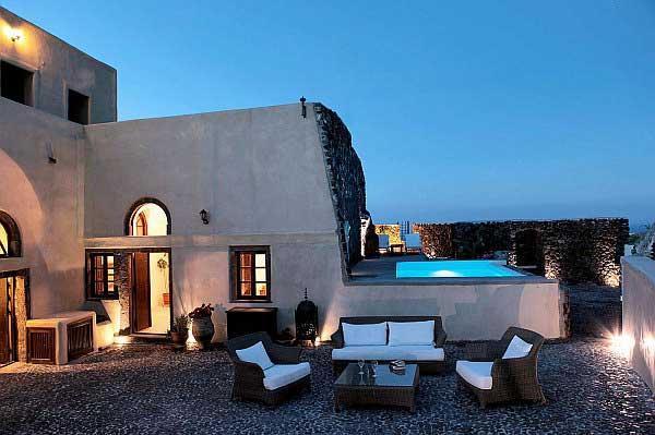 Mediterranean--DesignOutdoor-Living-Area