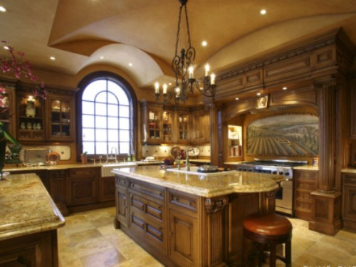 Mediterranean-Kitchen-with-Island