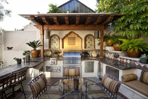 Mediterranean-Outdoor-Kitchen-Design-