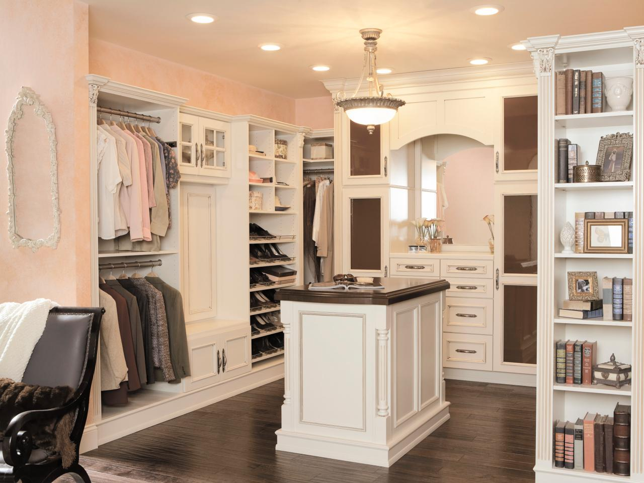 Press-Kits_Wellborn-Cabinets-closet-island