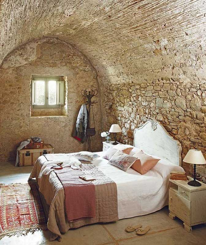 Rustic Farmhouse Bedroom Decorating Ideas
