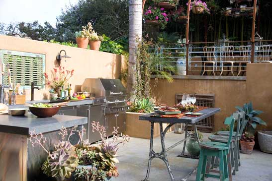 Rustic-Mexican-Ambiance-Outdoor-Kitchen-Design