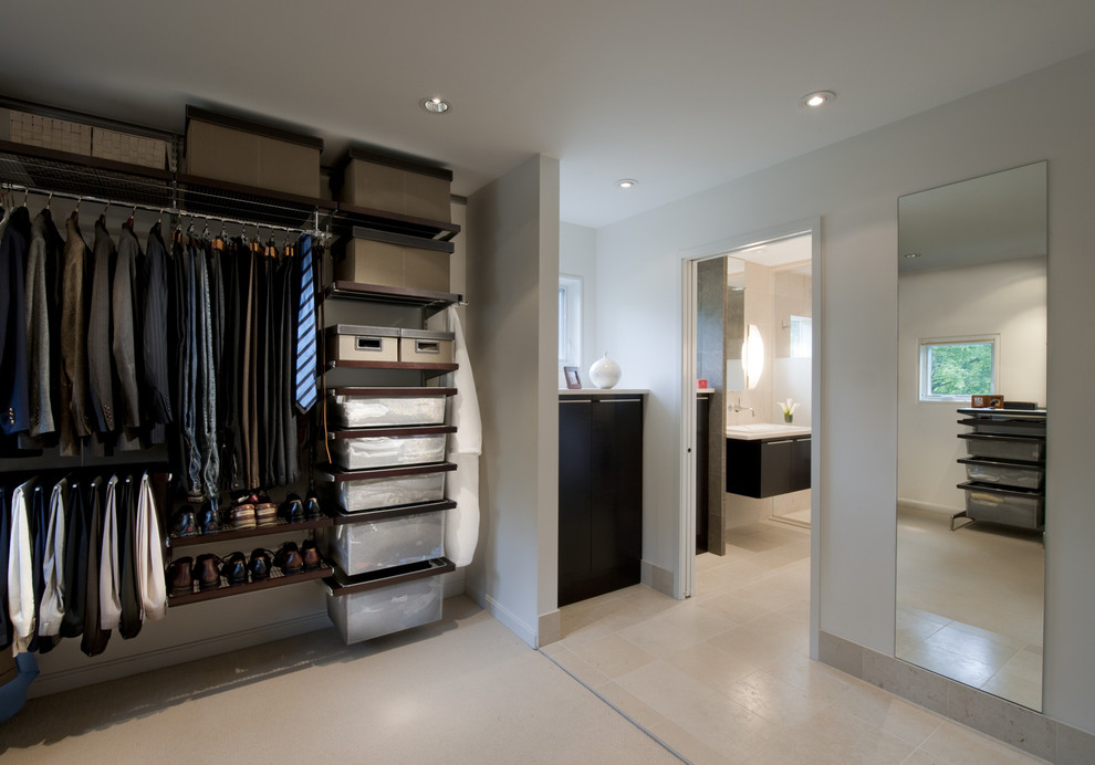 15 amazing industrial storage closets design for Decor systems