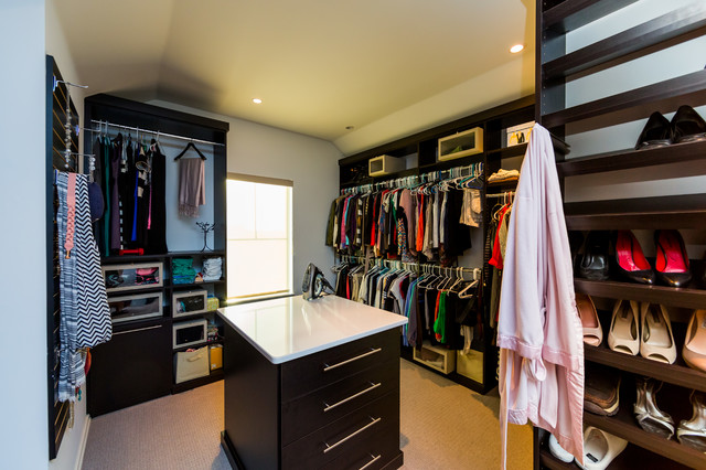 beach-style-closet-idea