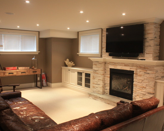 brown-comfy-leather-sofa-lighting