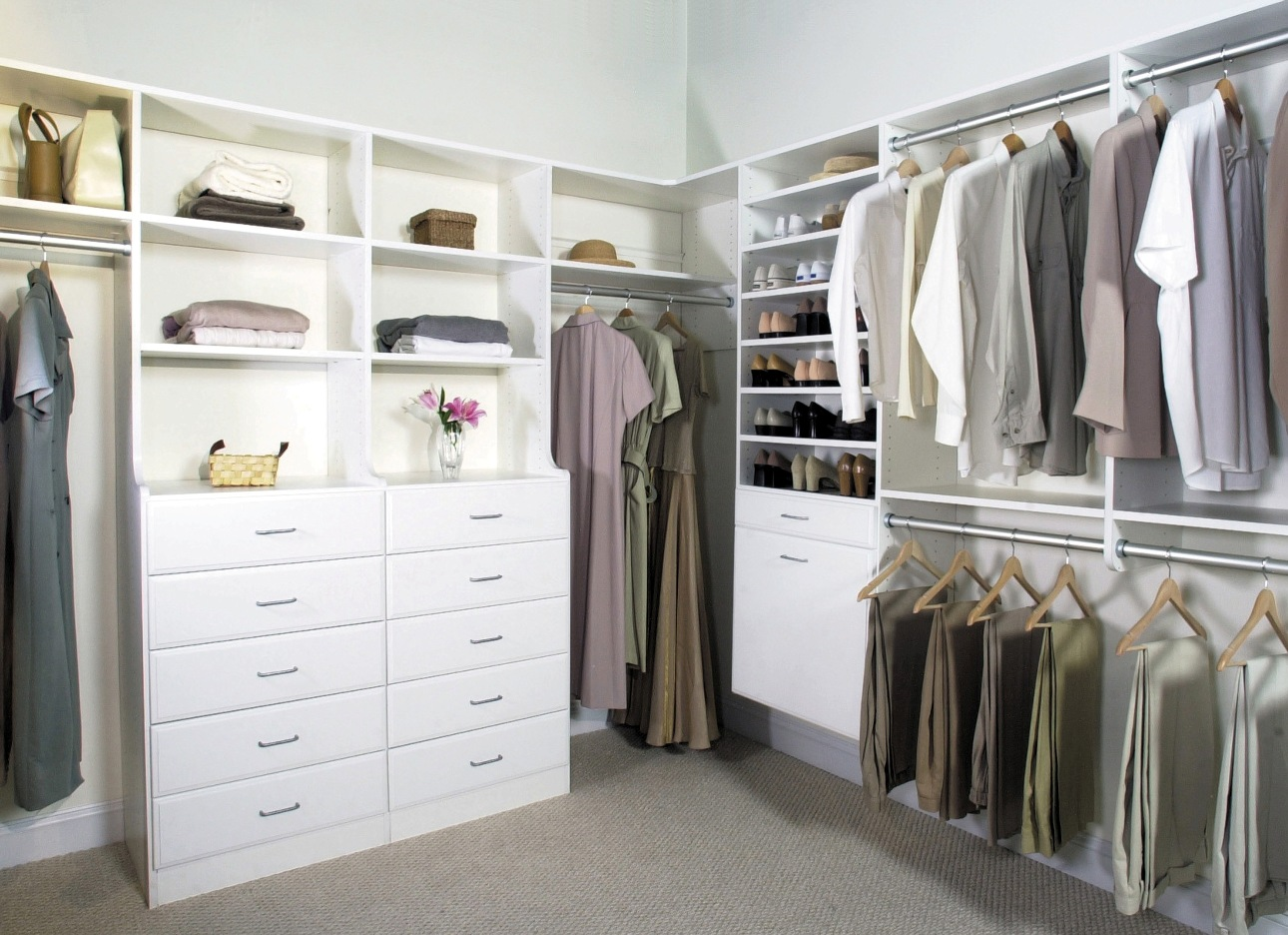 closet-design-for-small-walk-in-closet