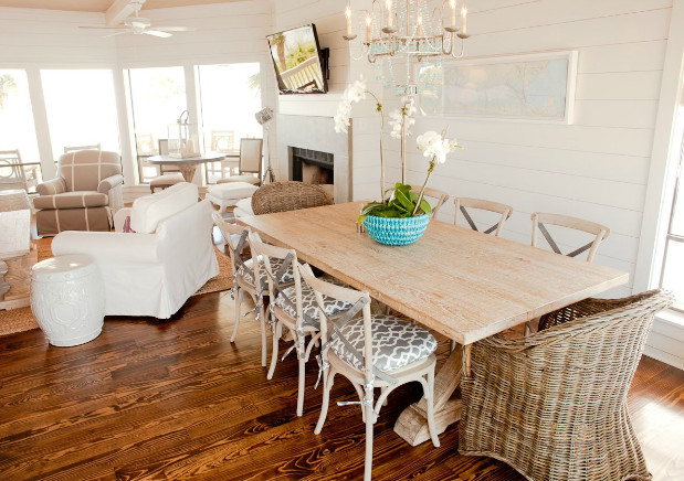 coastal-dining-room-at-coastal-home-beach-style-dining-room