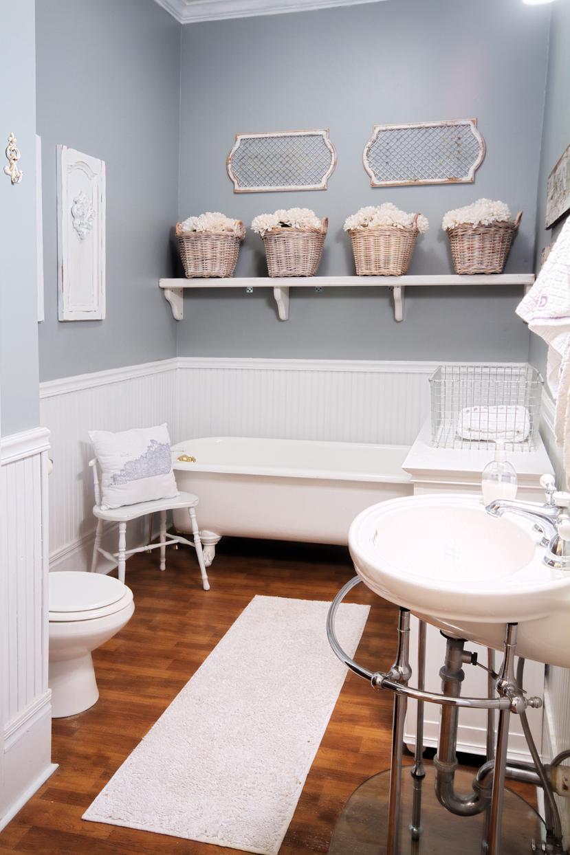 farmhouse-bathroom-sinks-and-white-clawfoot-bathtub-top-notch-ideas-for-bathroom