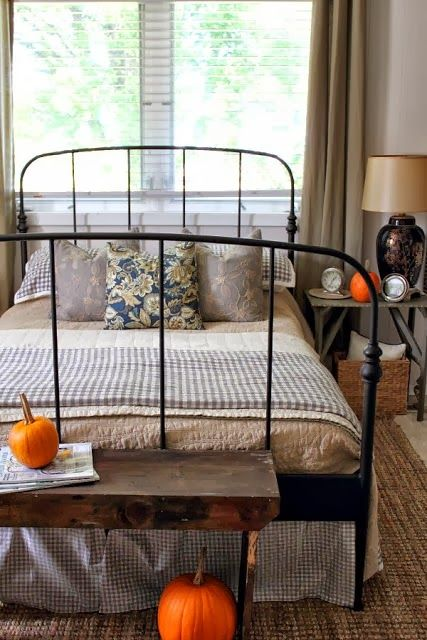 farmhouse-bedroom-design-ideas-that-inspire-2
