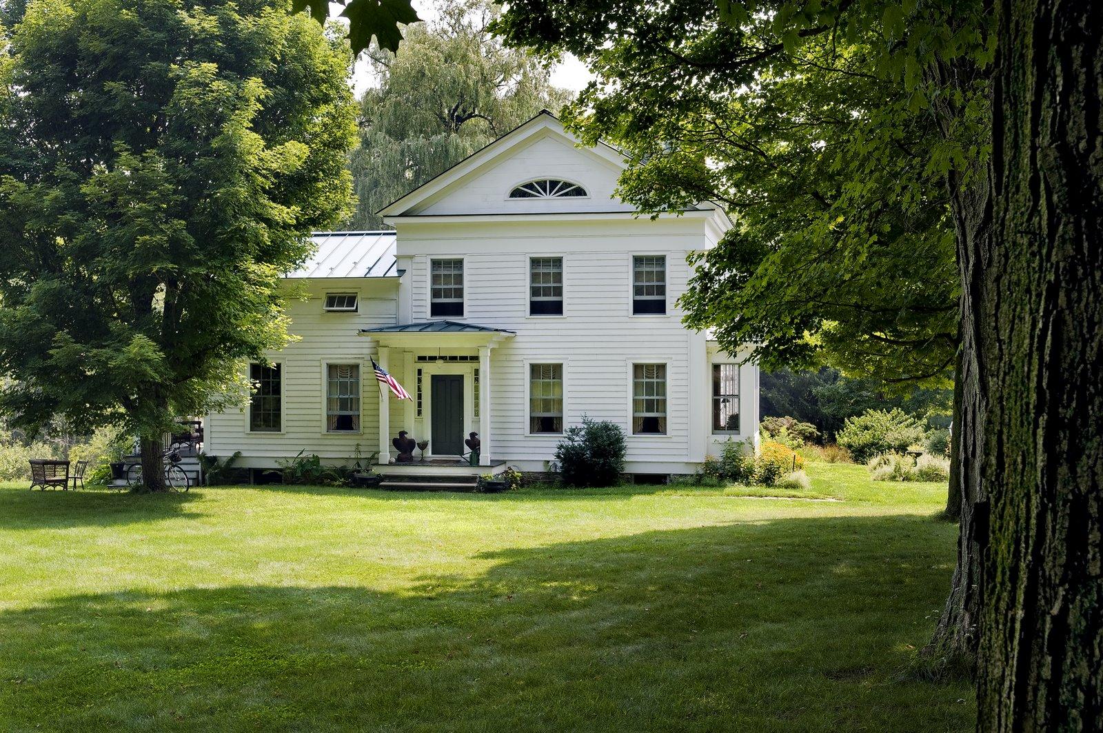 farmhouse-design-at-barrow-exterior-lower-res