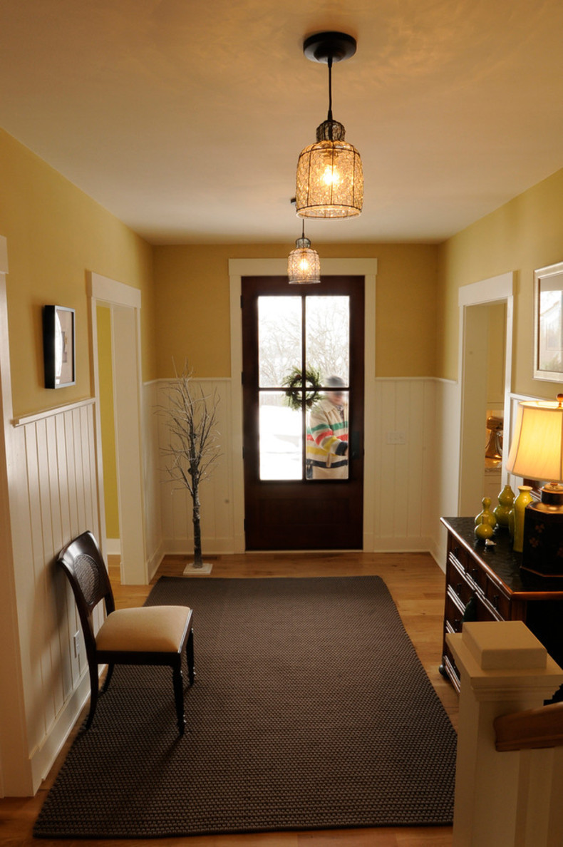 farmhouse-entry-smart-decoration-plan-in
