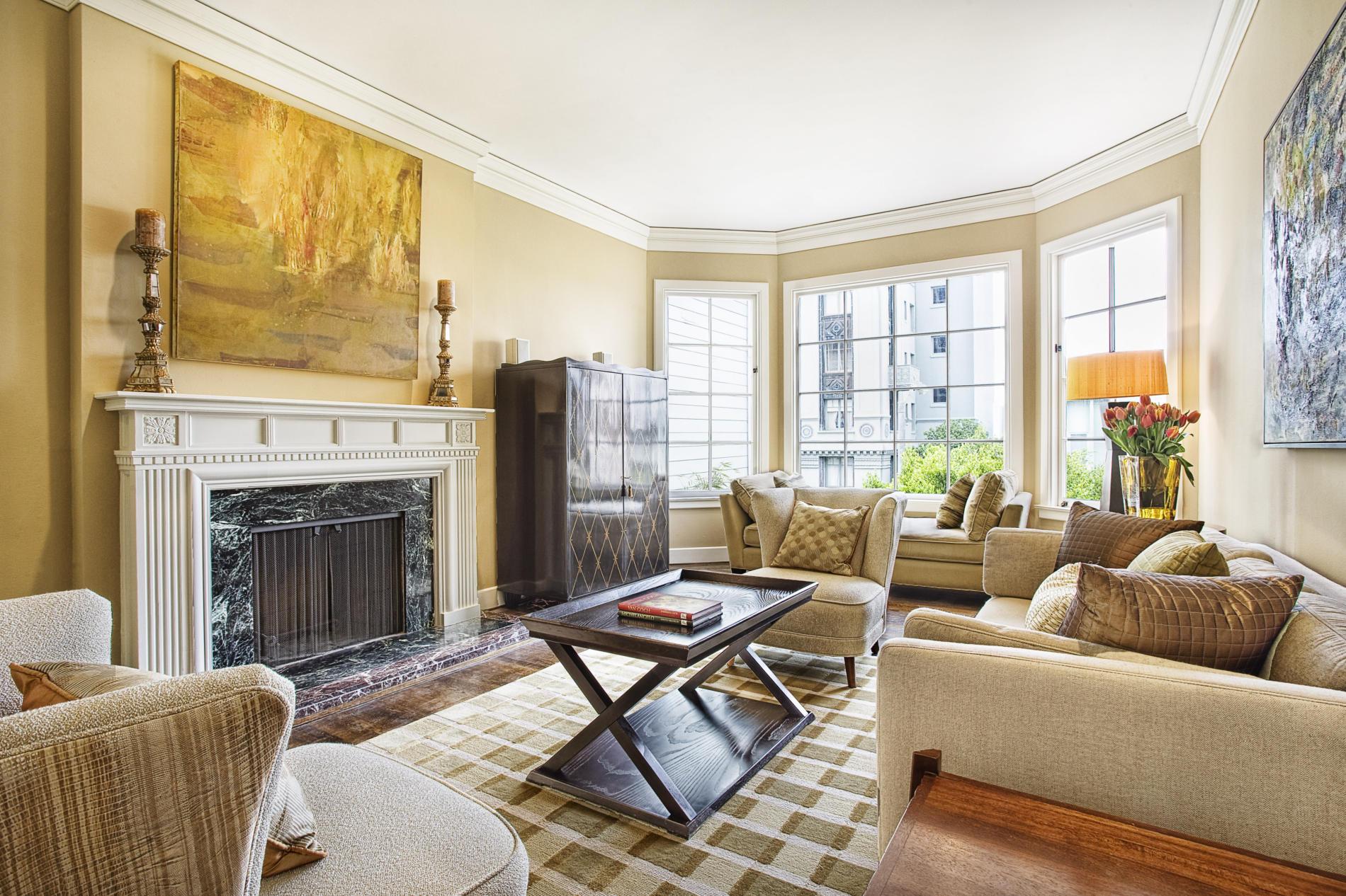 mediterranean-living-room-design