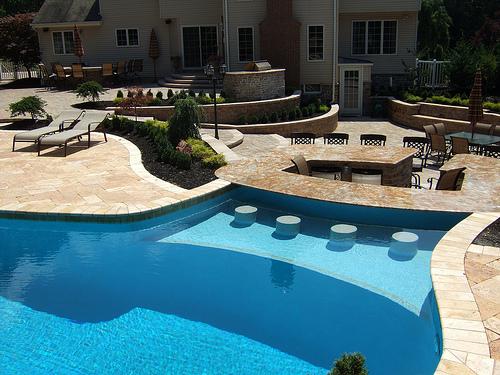 15 Awesome Pool Bar Design Ideas on Backyard Pool Bar Designs id=34595