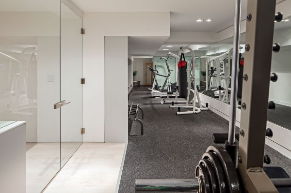 private-gym-design-in-elongated-space