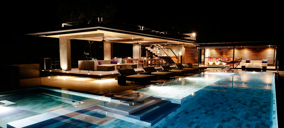 slide-pool-lounge-bar