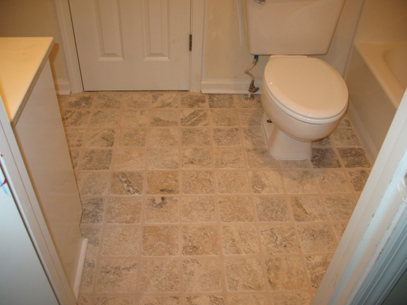 20 best bathroom flooring ideas for Small bathroom flooring ideas